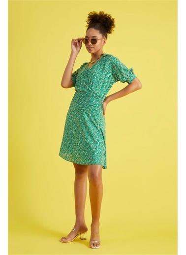 Z Giyim Kadın  Hardal Sarısı  Çiçek Desenli Kruvaze Yaka Elbise Yeşil